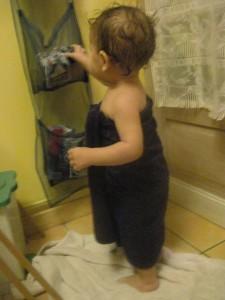 enfant sortant de la douche